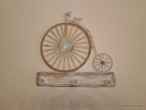 "Hand-painted wooden hanger ""vintage bike""."